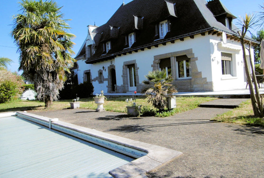 Exquisite 6 Bedroom Detached home in Brittany Town Centre