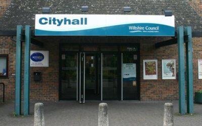 City Hall stays closed